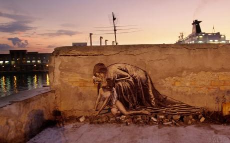 La Speranza che risolleva l'Amore ferito Zilda street art  Naples